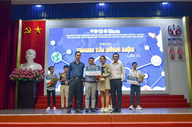 Bạn Nguyễn Ngọc Như Quỳnh Đạt Giải Nhất Trong cuộc thi Tranh Tài Hùng Biện Lần Thứ 2