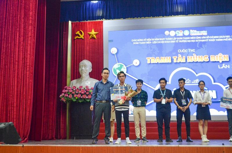 Lê Gia Luân đạt giải ba cuộc thi Tranh Tài Hùng Biện Lần thứ 2